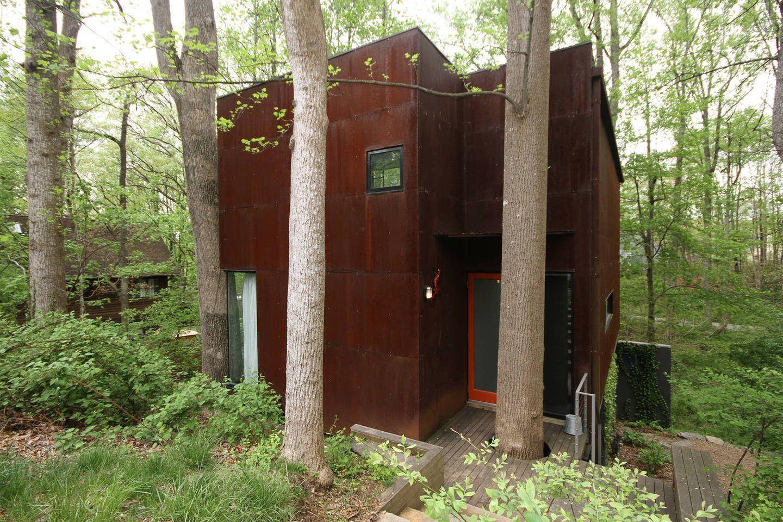 Modern Tree House In West Asheville