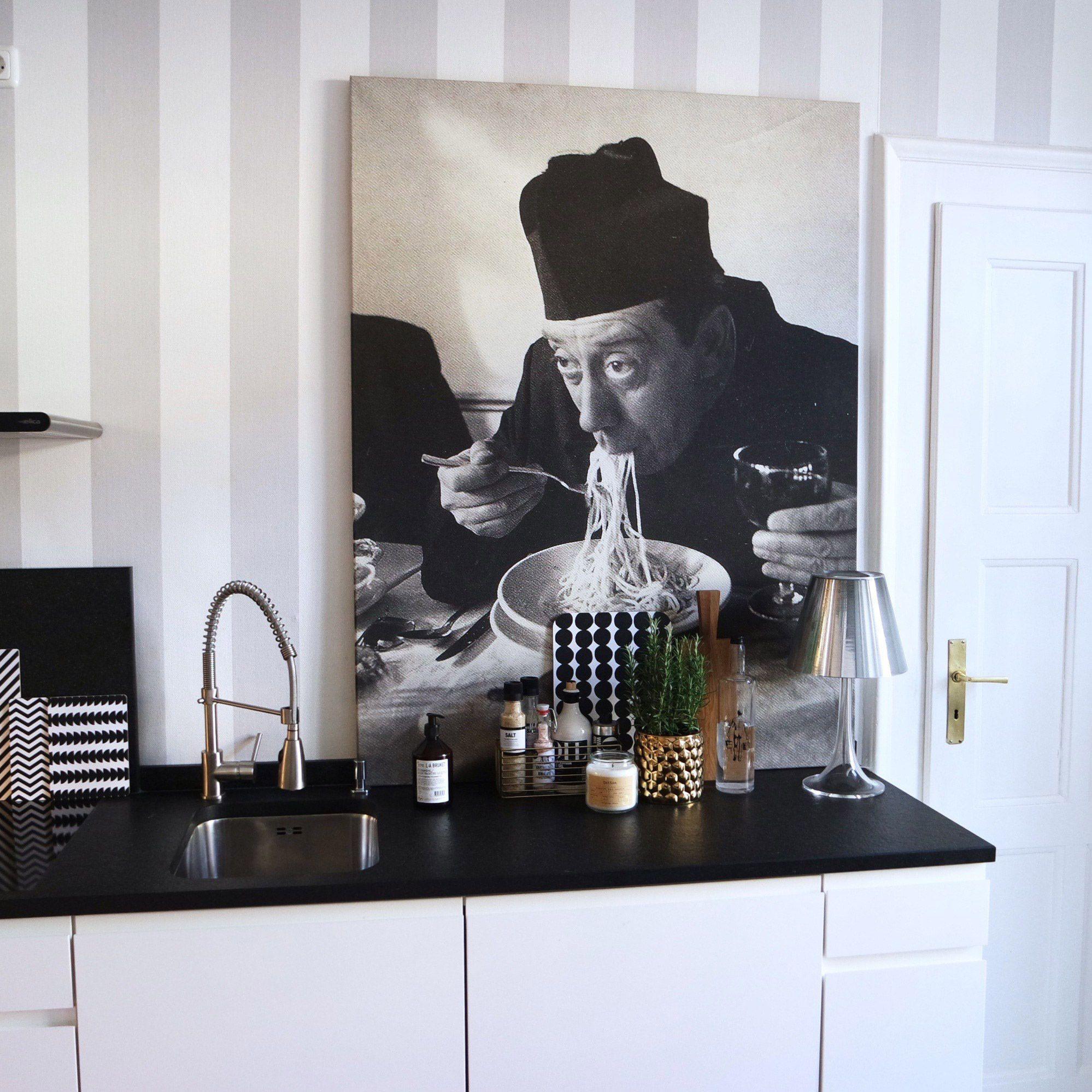 Weisse Minimalistische Kuchen Tolle Fotos Und Inspirationen Wohnkonfetti Tapete Kuche Minimalistische Kuche Kuche Schwarz