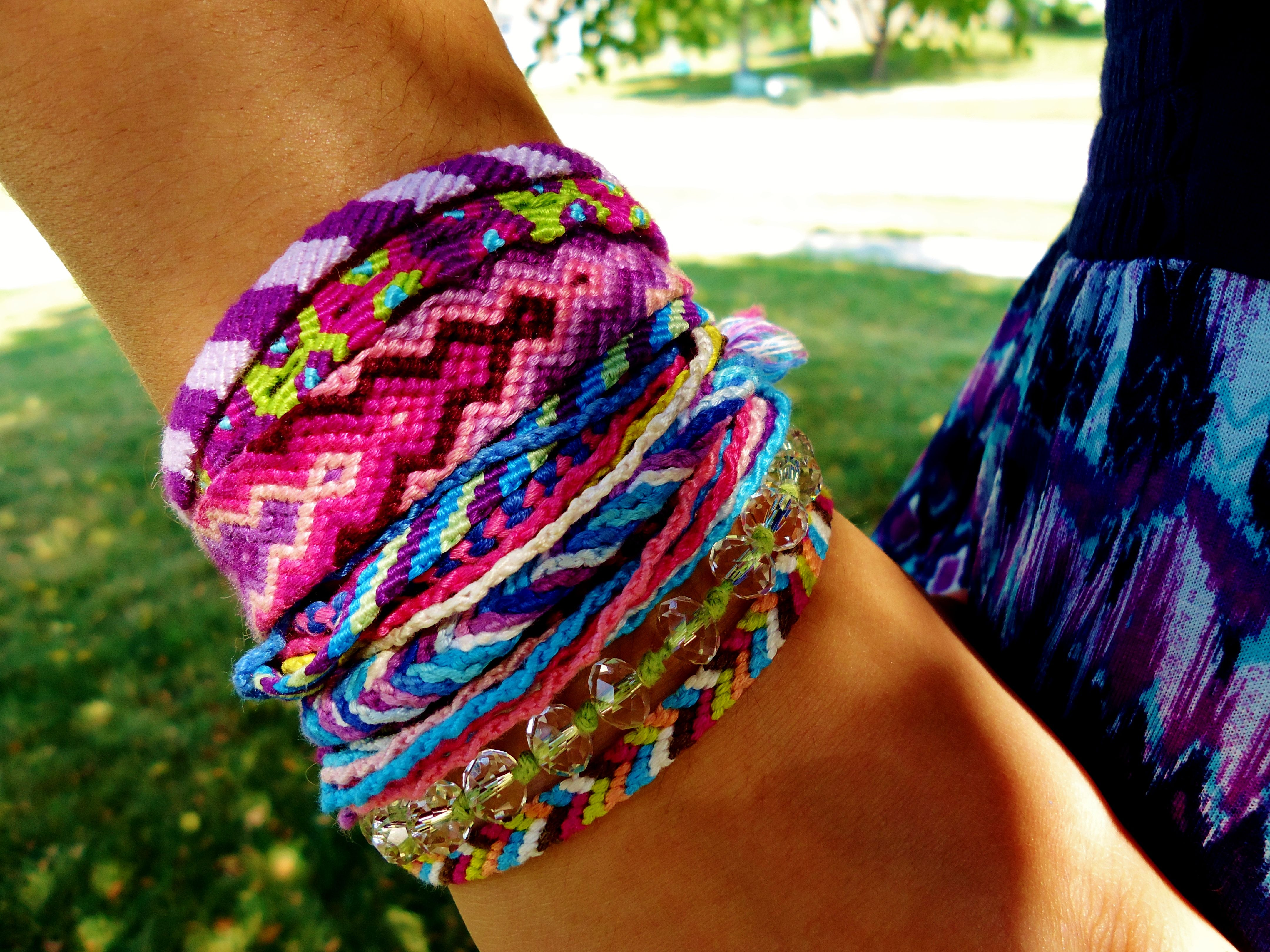 Bracelets friendship on wrist forecast to wear for spring in 2019
