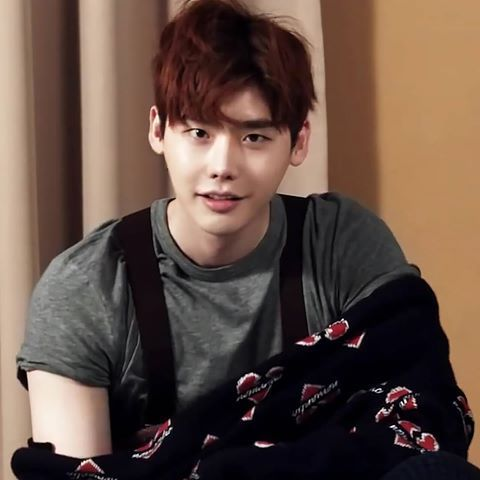 Lee JongSuk @ High Cut(vol.166). 2016/01. captured by js_rezina #leejongsuk #이종석 #李鍾碩 #李钟硕 #イジョンソク #jongsuk #jongsuk0206