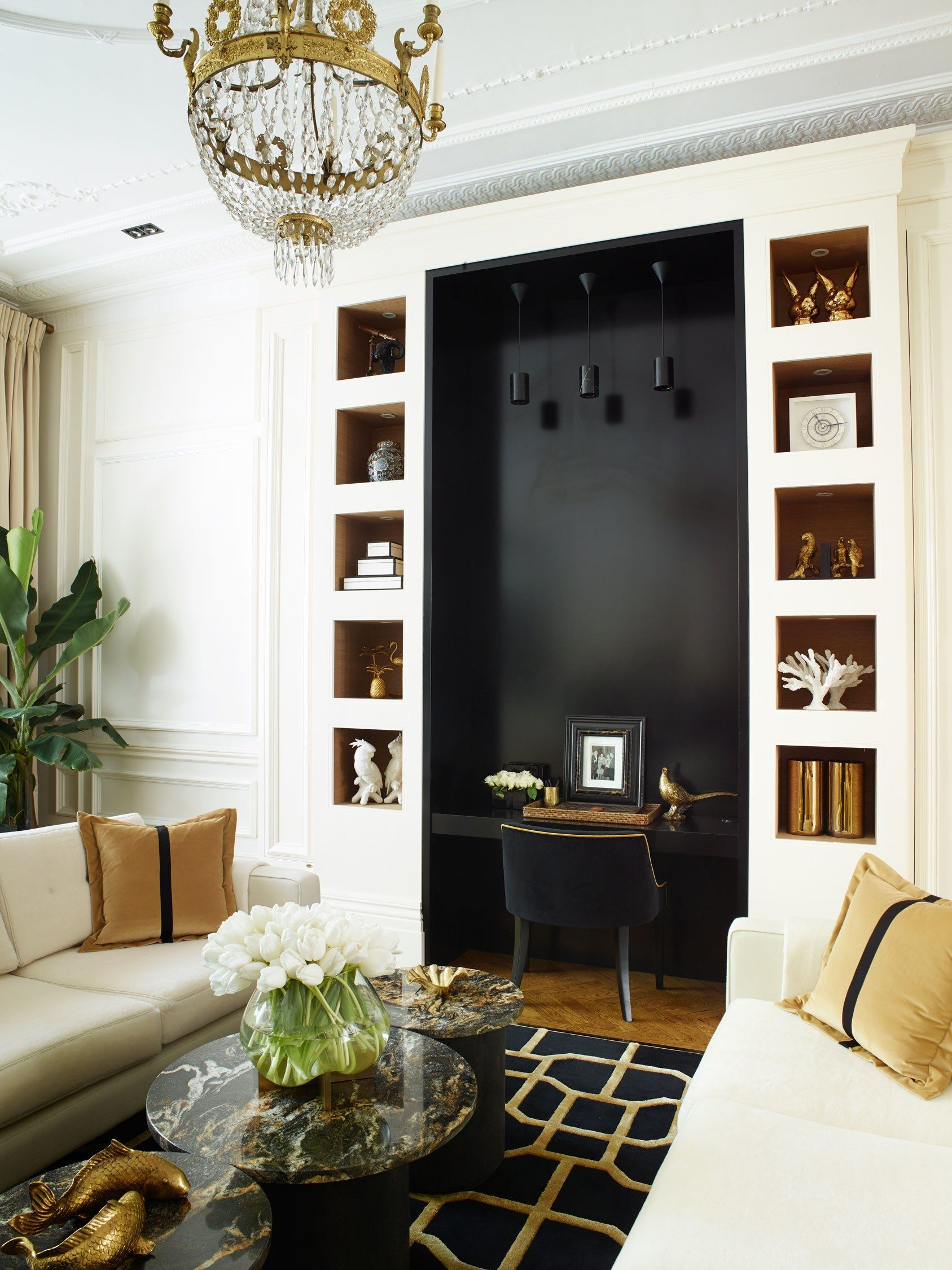 A Classic London Townhouse Apartment Gets A Glamorous Art Deco Inspired Makeover Art Deco Living Room Townhouse Apartments Interior Deco