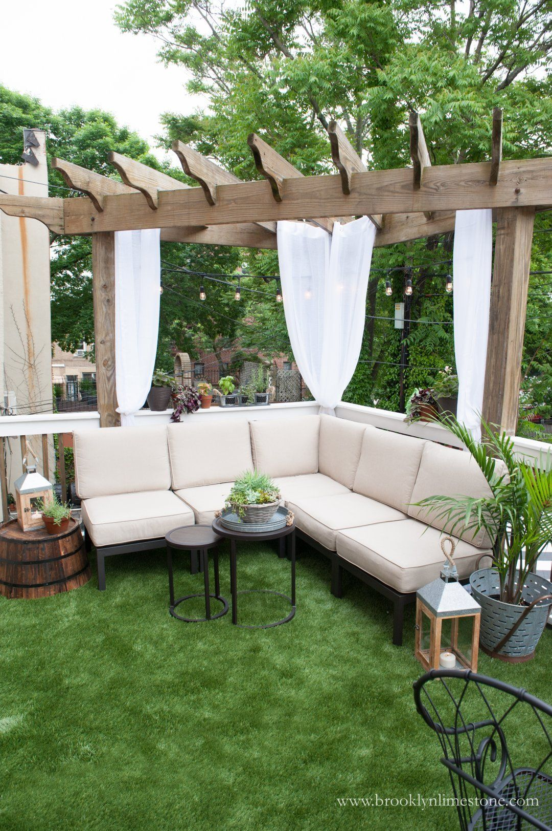 Inside Outside Deck Makeover With Lowe S Sponsored Deck