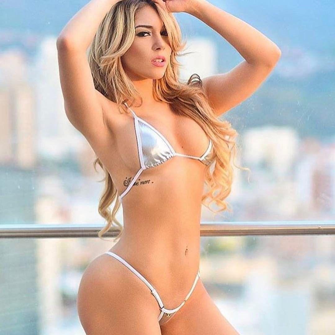 latinas bikini