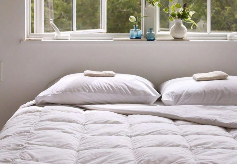 How To Clean Your Bedding Comforter Wool Blanket Link To Pillows Comforters How To Wash Comforter How To Clean Pillows Down Comforters