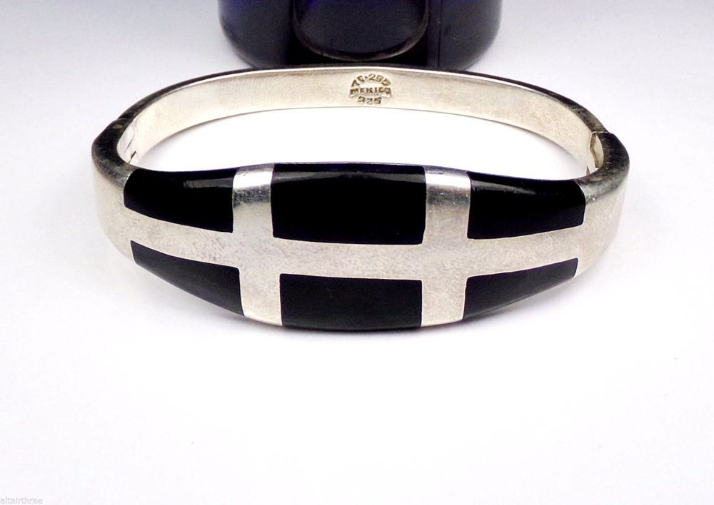 Taxco Sterling Silver Bangle Bracelet Mexico Hinged Black Onyx Stone Clamp Solid #None