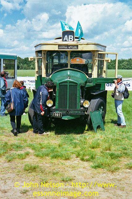 old 1930 39 s paris bus renault tn4 a monter ou descendre pinterest bus voitures et motos. Black Bedroom Furniture Sets. Home Design Ideas
