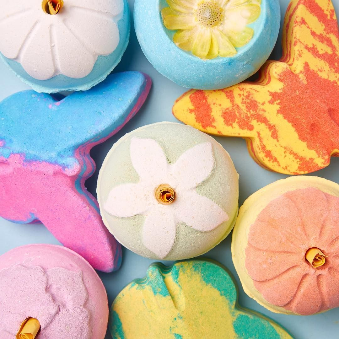 Lush S Spring Bath Bombs Are Packed With Hidden Gifts Lush Bath