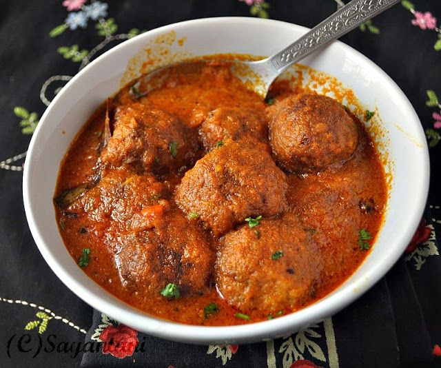 A Homemaker's Diary: Enchor er Kofta Curry(Raw Jackfruit Dumplings in Rich Yogurt gravy)