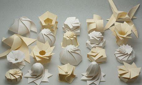 1枚の紙で曲線 立体のオブジェを作る ふしぎな 球体 立体折り紙 1 折り紙 立体 折り紙 折り紙の箱