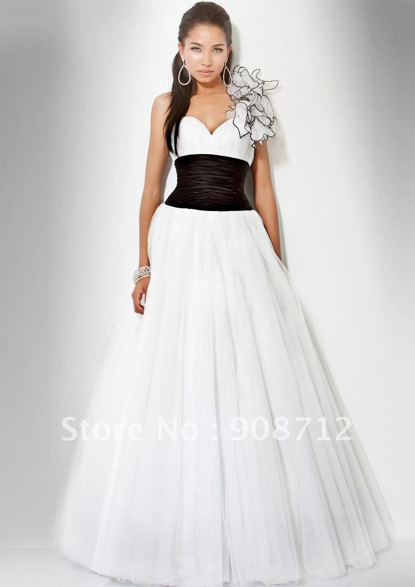 Formal Ball Gowns  Designer Prom Dress ! Ball Gown Sihlouette One ...