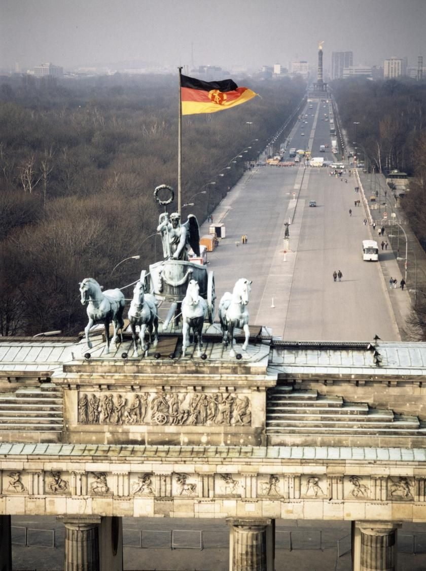 Pin By Maida On Europa Europe The Continent Berlin Photography Berlin City Berlin Photos