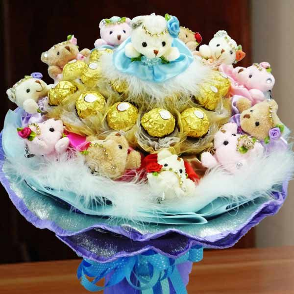 18 Rochers & 12 Mini Bears Hand Bouquet | Flower, Chocolate ...