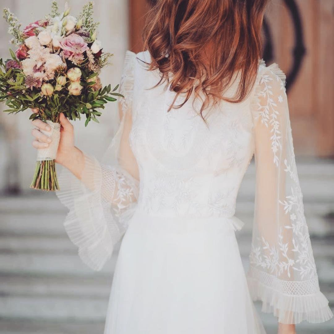 Pin By Laura Setzer On Wedding Unusual Wedding Dresses Wedding