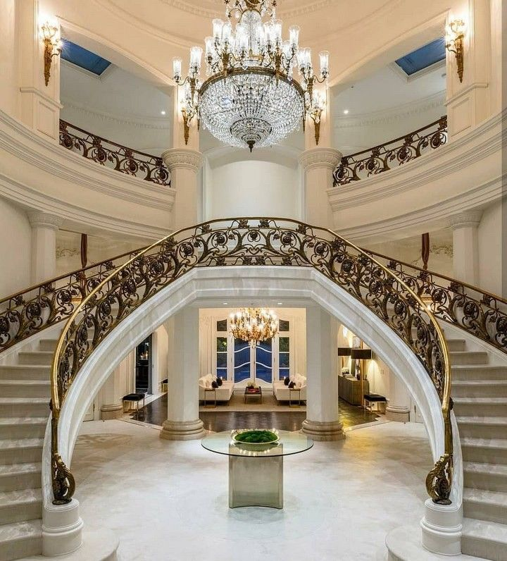 Stair Design Budget And Important Things To Consider: 10 Glorious Mansion Staircase Designs That Are Going To