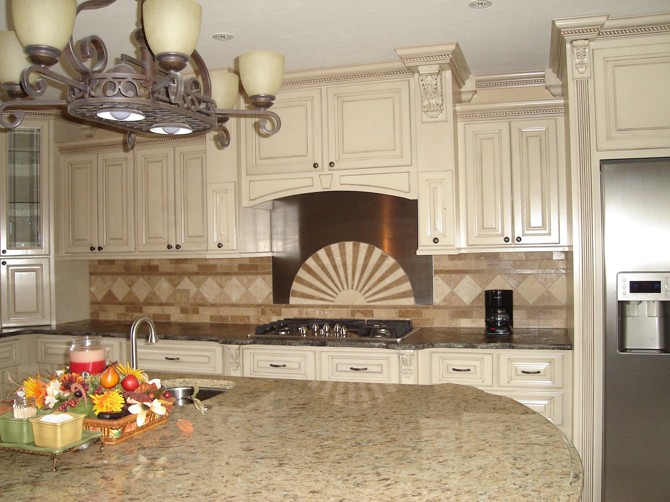 Ivory Cabinets With Chocolate Glaze - Kitchen Cabinets