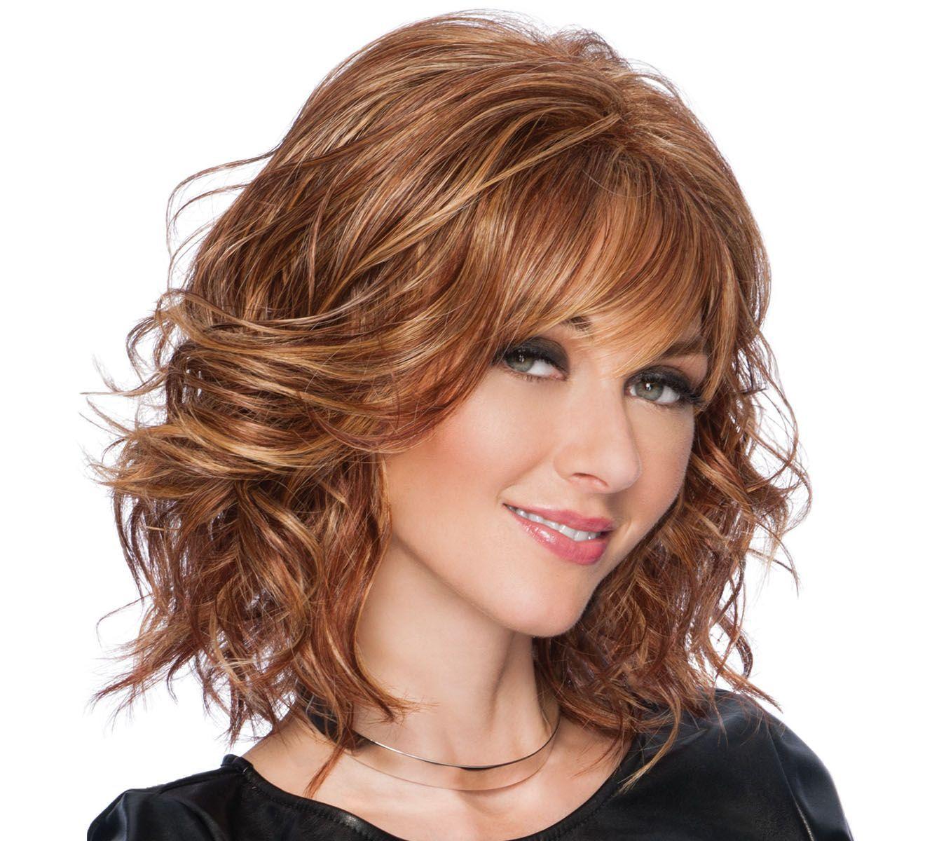 Фото стрижек на волнистые волосы средней длины