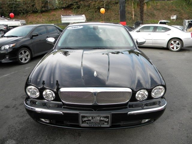2007 Jaguar XJ-Series XJ8 - $10,840 / 74K Miles