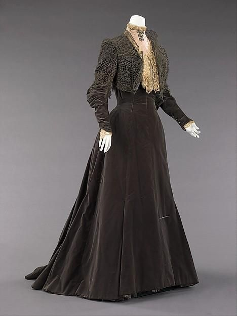 It wasn't always about ball gowns.  Lovely Edwardian day dress in velvet.