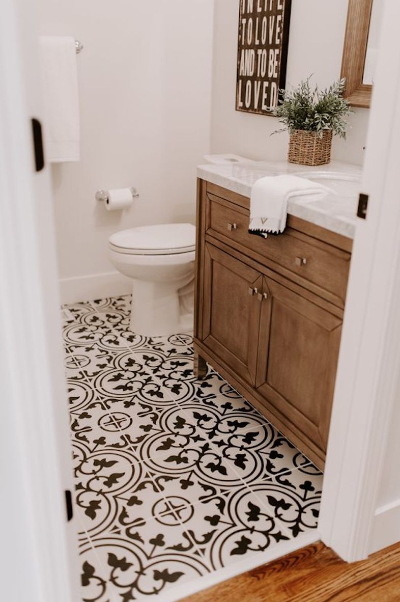 Black And White Pattern Tile Neutral Brown Wood Bathroom Style Bathroom Style Black And White Tiles Bathrooms Remodel