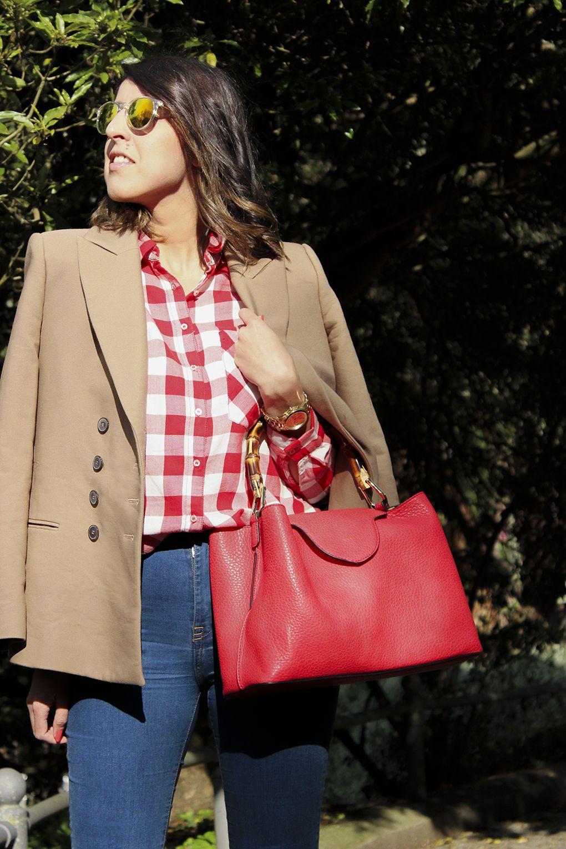 Gafas espejo #comocombinarcamisacuadros #camisa #cuadros #roja #blazer #moda #look #siemprehayalgoqueponerse #jeans #blogger #bolso #rojo