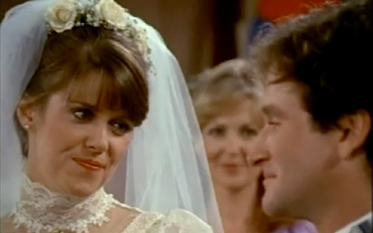 Reviewing Every Tv Show I Own Mork Mindy The Wedding