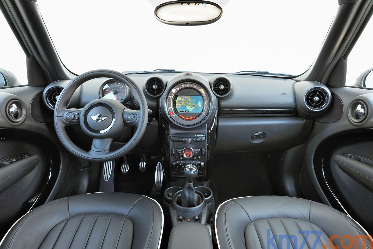 Mini Countryman Cooper S Inside