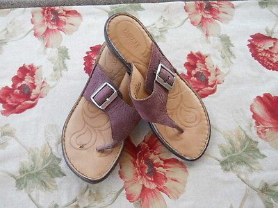 BORN 9.5 40.5 M Shoes Brown Thongs Genuine Leather Uppers Sandals Used Good GUC
