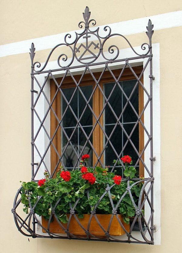 Rejas decorativas seguridad y decoraci n para ventanas for Puertas decorativas para interiores