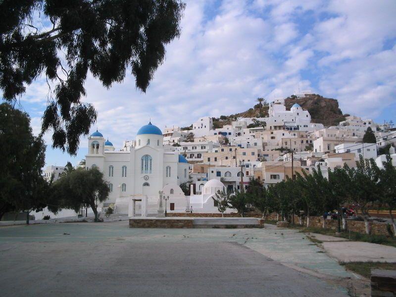 """* Ilha de Ios * Grécia. Mar Egeu Arquipélago das """"Cíclades"""". Área: 105 Km². Comprimento: 18 Km. Largura: 10 Km."""