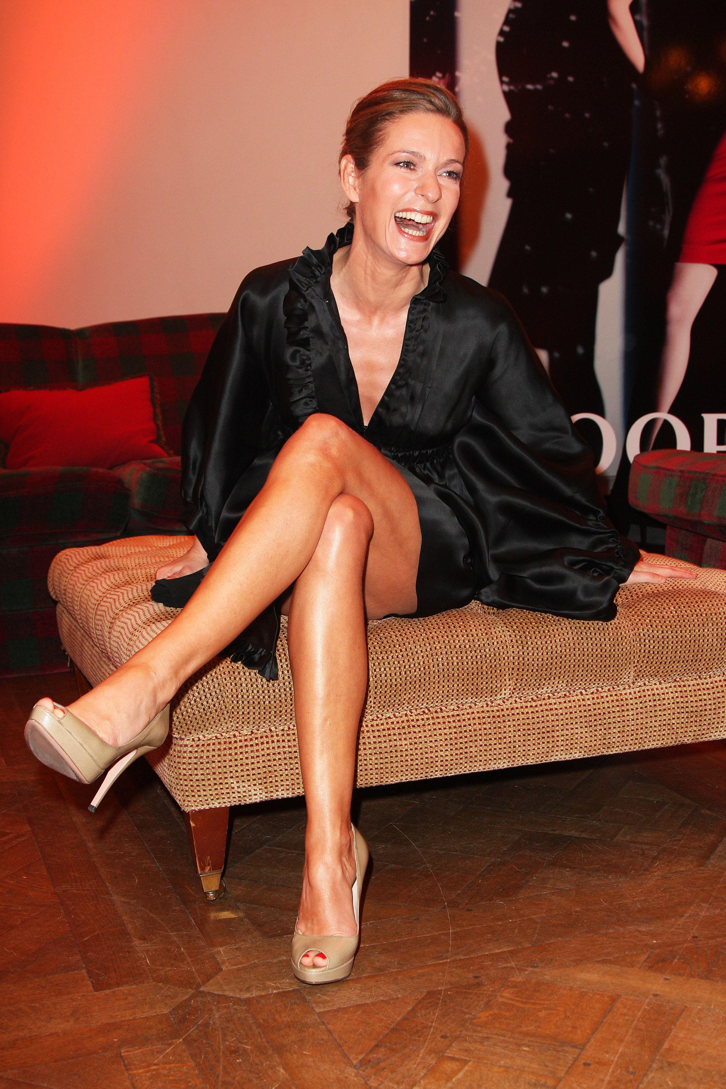Lisa Martinek Fashion Glamour Beautiful Legs Pinterest Lisa Beautiful Legs And Glamour