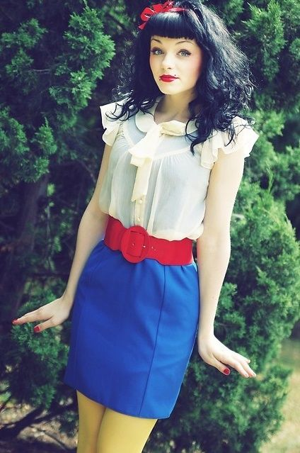 A Snow White Style Outfit