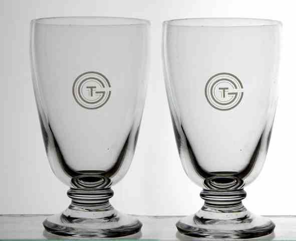 VERRES en cristal de la Maison DAUM portant le monogramme circulaire de la Cie propre au paquebot FRANCE