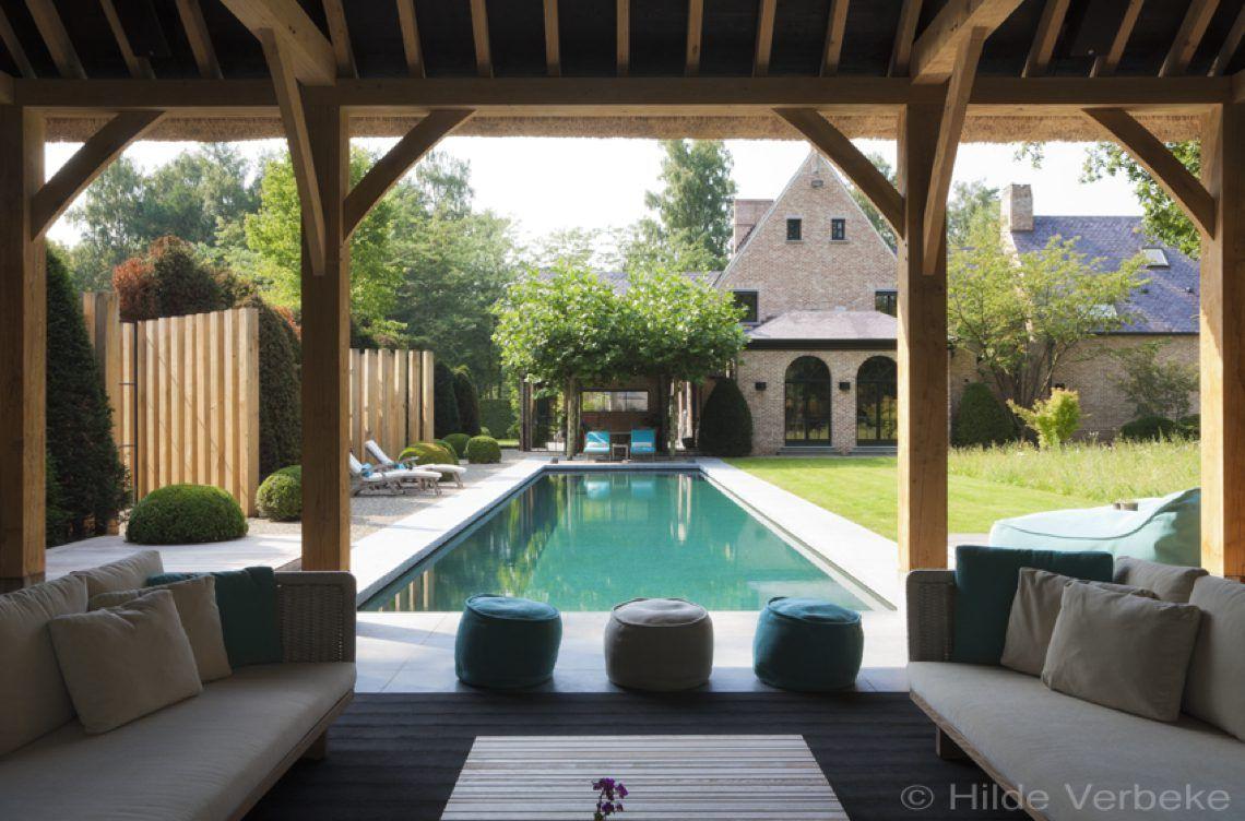 Quality pool exclusief onderloop zwembad met zicht op imposant