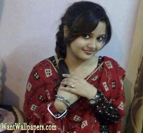 Karachi Cute Girl Tamana Farooqi In Friends Birthday Partykarachi Girls Wallpapersbeautiful Karachi Girlskarachi Girls Onlinedesi Karac