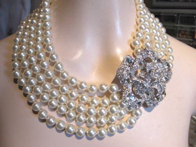 6ee552f0df202 Audrey Hepburn wore this Pearl & Rhinestone Necklace in