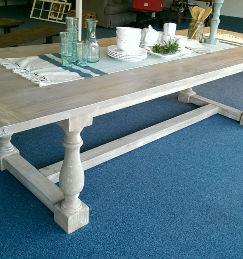 The Kingston Farmhouse furniture, Turned table legs