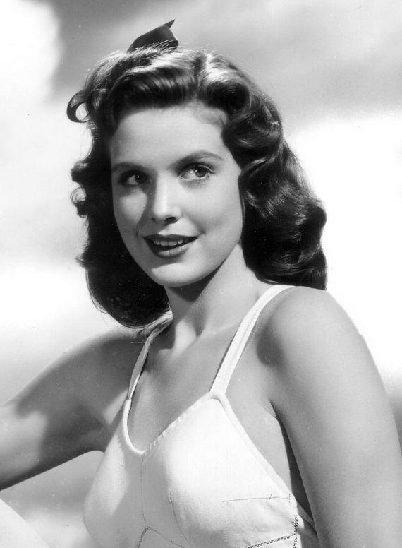 1940 S Hairstyles For Women 1940s Hairstyles 1940 S Hairstyles Vintage Hairstyles