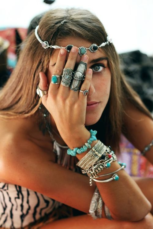 Jade accessories make for the perfect boho summer look! #JadeTreasure #SensatioNail