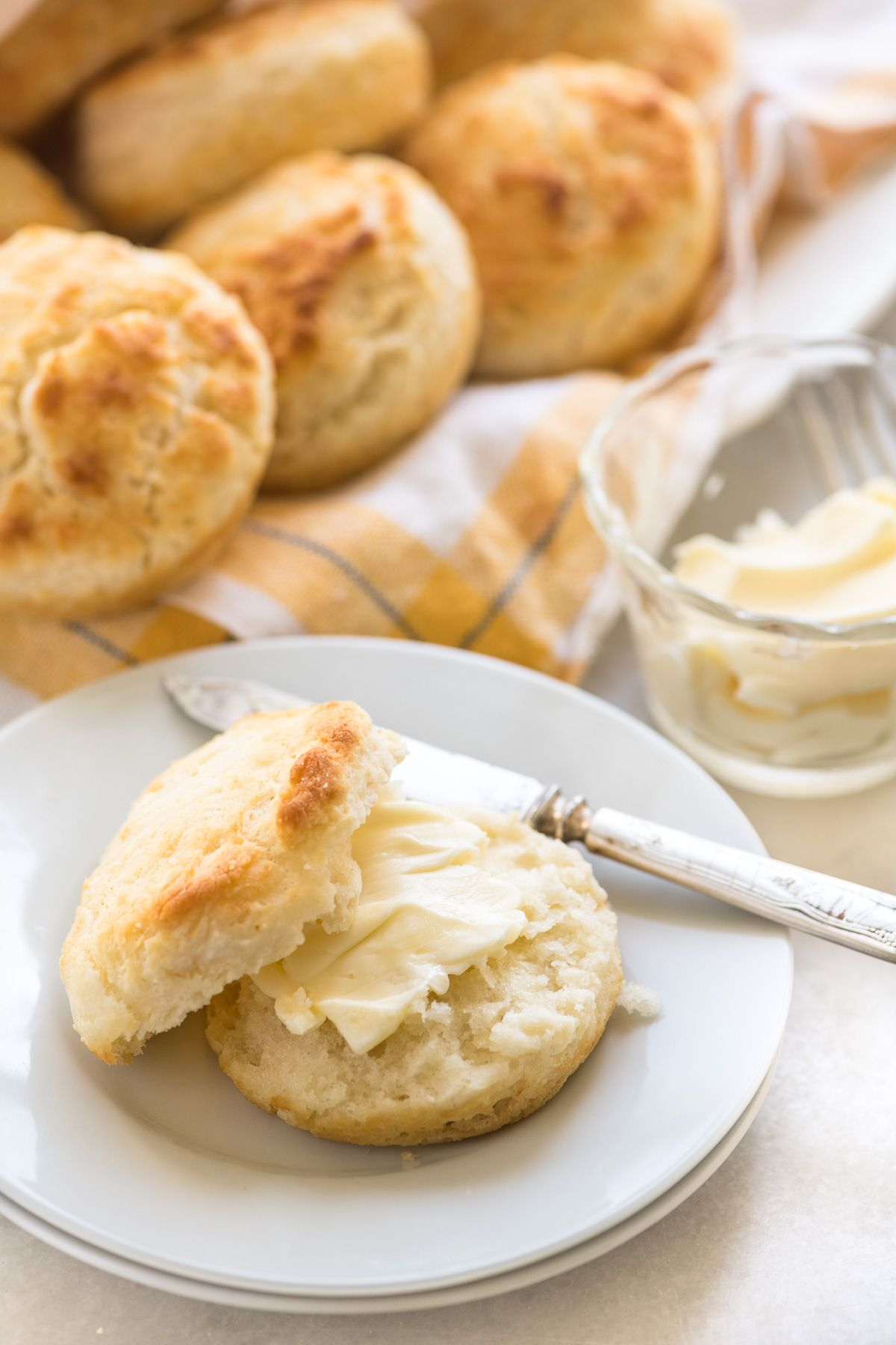 3 Ingredient Biscuits Made With Self Rising Flour And Buttermilk Are Fluffy Flaky Biscuits Made In M Flaky Biscuits Easy Biscuit Recipe Easy Homemade Biscuits