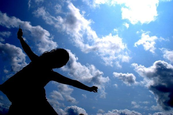 """""""Eu acho que há muitos céus, um céu para cada um. O meu céu não é igual ao seu. Porque céu é o lugar de reencontro com as coisas que a gente ama e o tempo nos roubou. No céu está guardado tudo aquilo que a memória amou."""" - Rubem Alves"""