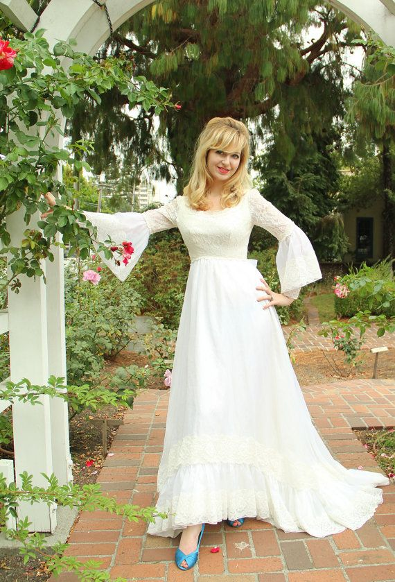 Vintage 1960s wedding gown lace and chiffon bell sleeve for Bell sleeve wedding dress