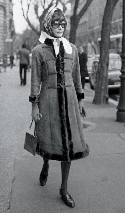 Audrey Hepburn Dotti walking outside Andrea Dotti's office on Via Crescenzio, Rome, 1970s. Coat by Givenchy.