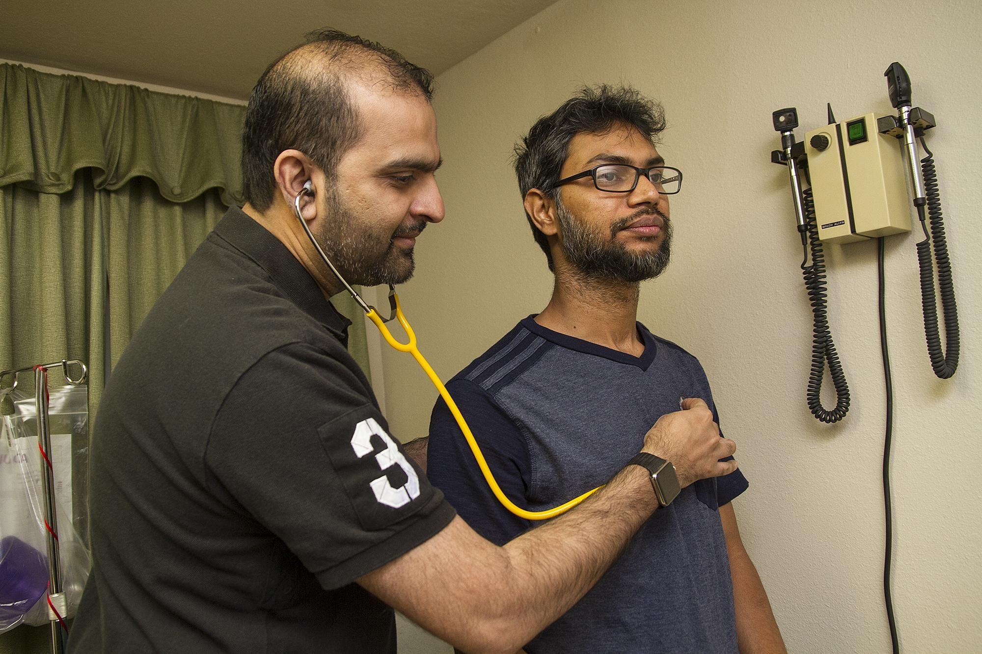 Free san antonio muslim clinic treats the uninsured to