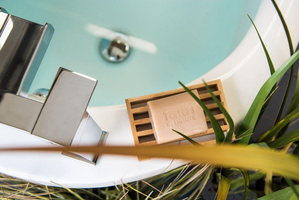 Badezimmer design natur inspiriert natur ist ein wahrer freund in jedem badezimmer  natur pur fürs