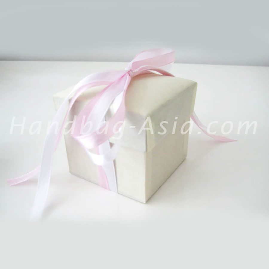 Luxury Wedding favor Boxes & Wedding Gift Boxes   Silk, Pink ribbons ...