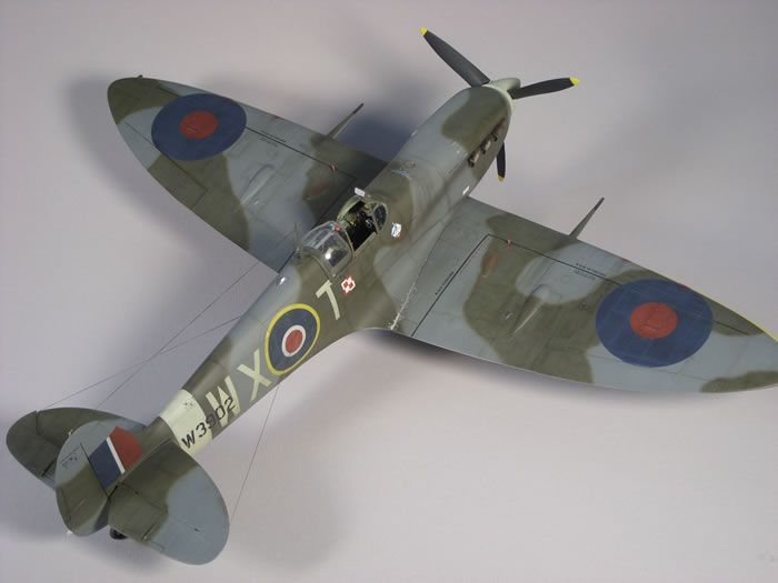 Trumpeteru0027s 1\/24 scale Spitfire MkVb by Ron Ou0027Neal Model - how would you weigh a plane without scales