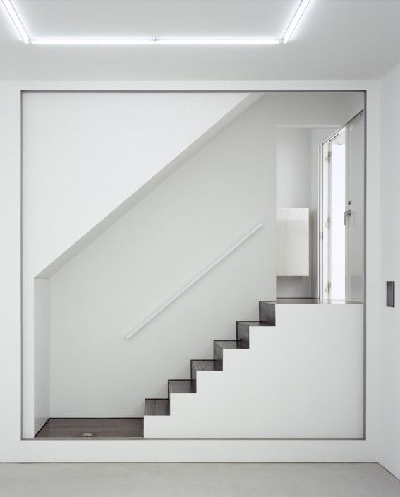 J house tokyo by jun aoki associates 011 stairs - La residence lassus par schlesinger associates ...