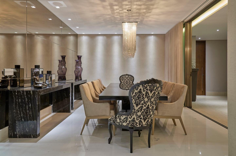 Decorao Com Espelho Na Sala De Jantar Dicas E Modelos De Espelhos  -> Modelo De Sala Pequenas Com Espelho E Aparador