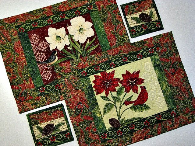 Pair Of Christmas Quilted Placemats Handmade Holiday Floral Etsy Floral Placemats Placemates Christmas Placemats