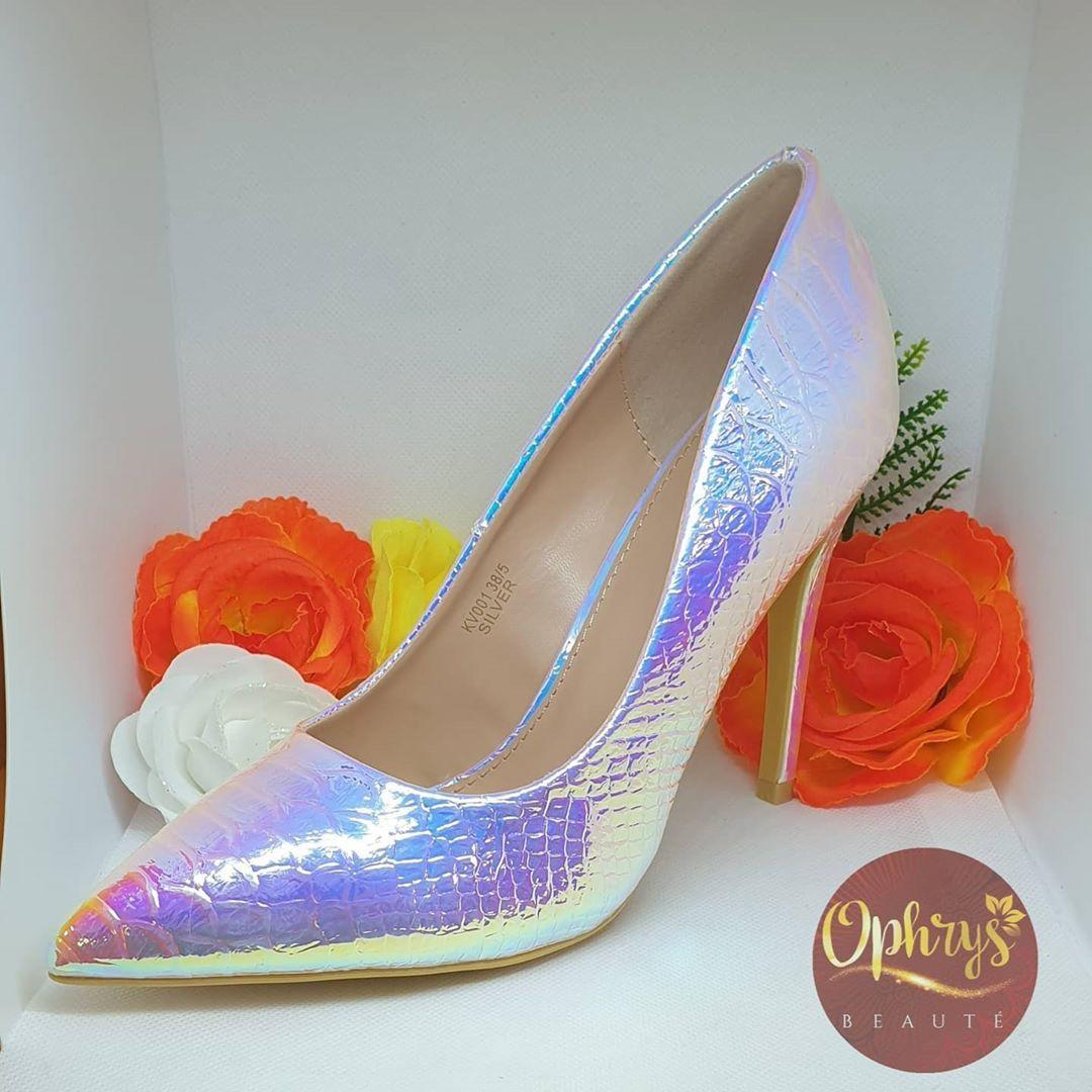 Ophrys On Instagram Rien De Mieux Qu Une Belle Paire D Escarpins Pour Rendre Votre Style Original Disponible Chez Ophrys Beaute D In 2020 Heels Shoes Wedding Shoe